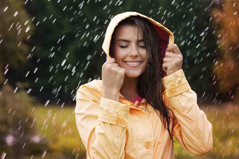 Cómo evitar el pelo encrespado en Zonas húmedas y cálidas