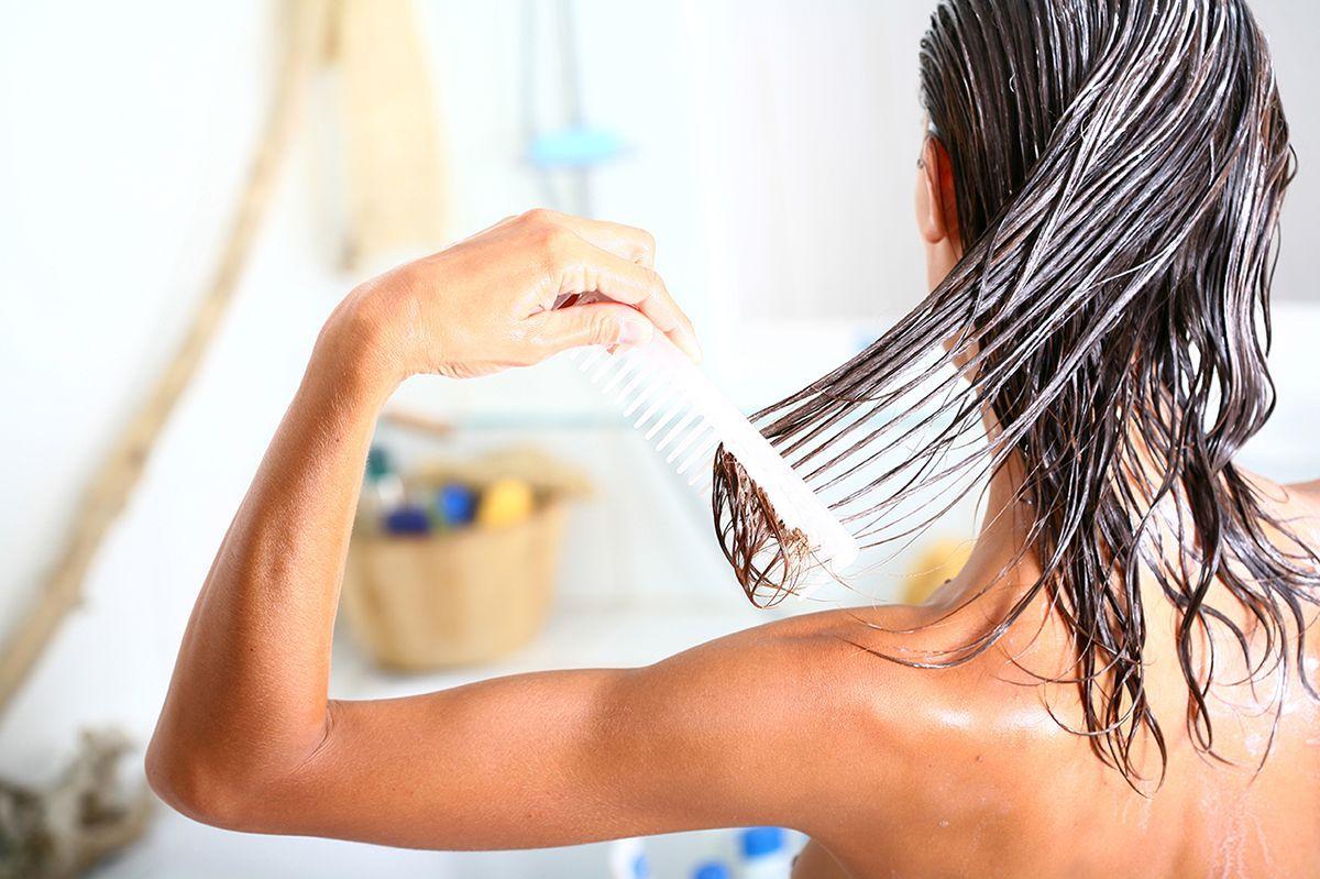 Como tratar el pelo mojado