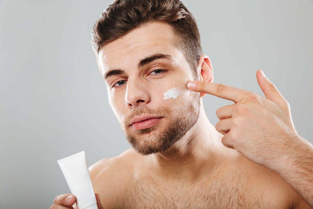 ¿Son eficaces las cremas antiedad para hombres?
